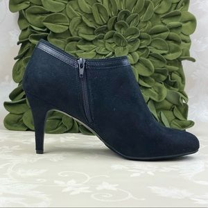 NWOT Dexflex Comfort Shoes  Ankle Booties   12